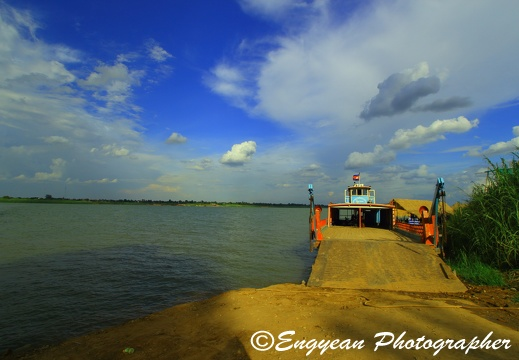 Ferry to Mekong Island(6495)